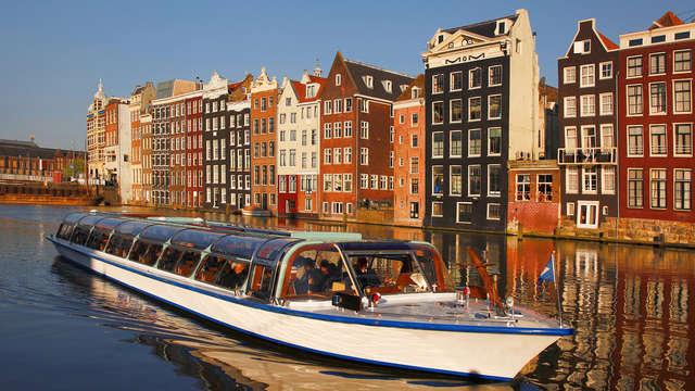 Weekend nabij Amsterdam met diner en Hop On - Hop Off Grachtenrondvaart (vanaf 2 nachten)