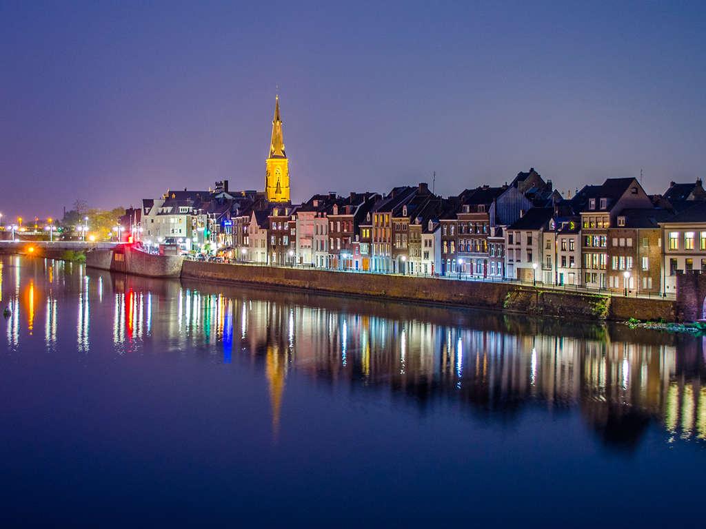 Séjour Pays-Bas - Shopping et gâteaux limbourgeois en famille à Maastricht  - 4*