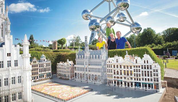 Viaje familiar al parque Mini-Europe a bordo del Train Hostel