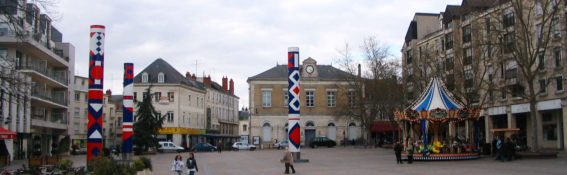 Le Relais Saint Jacques - edit_Chateauroux_-_Place_de_la_Republique.jpg