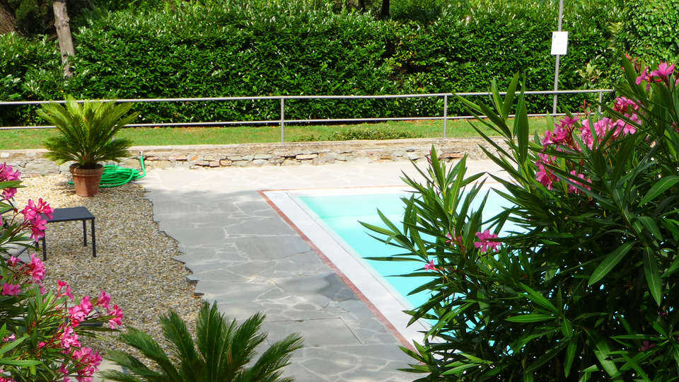 Villa Dei Bosconi - edit_pool2.jpg