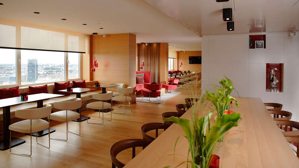 The Hotel Brussels - EDIT_Panorama_Lounge_-_Overview_-_Communal_table.jpg
