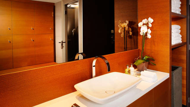 The Hotel Brussels - The Urban Spa - Locker Rooms HS