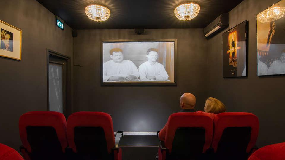 Mabi City Centre - edit_cinemaroom.jpg