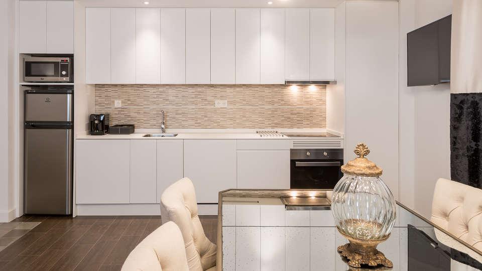 Oro del Darro Suites - edit_kitchen.jpg
