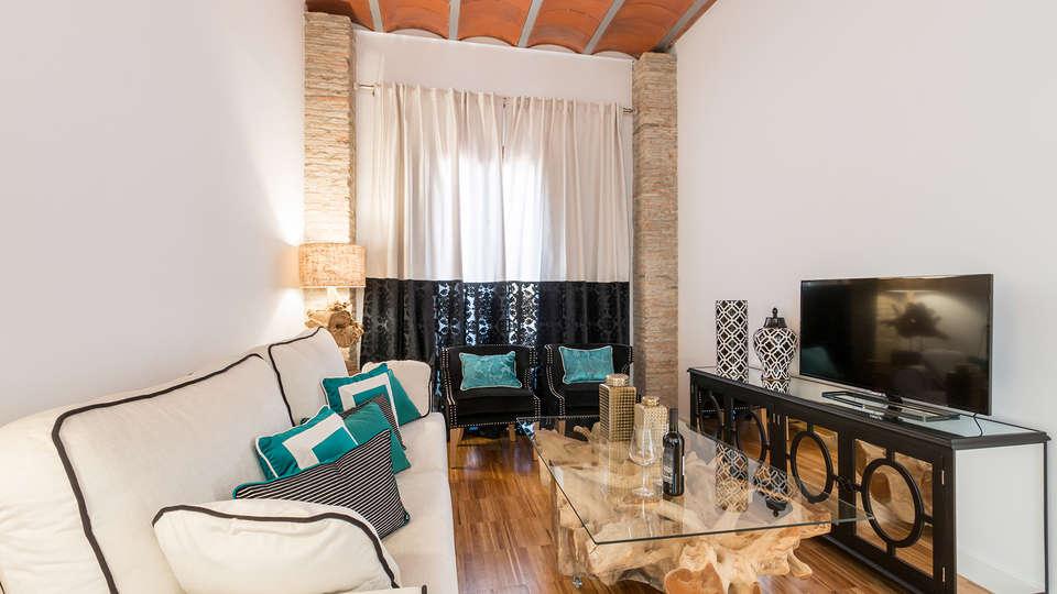 Oro del Darro Suites - edit_livingroom.jpg