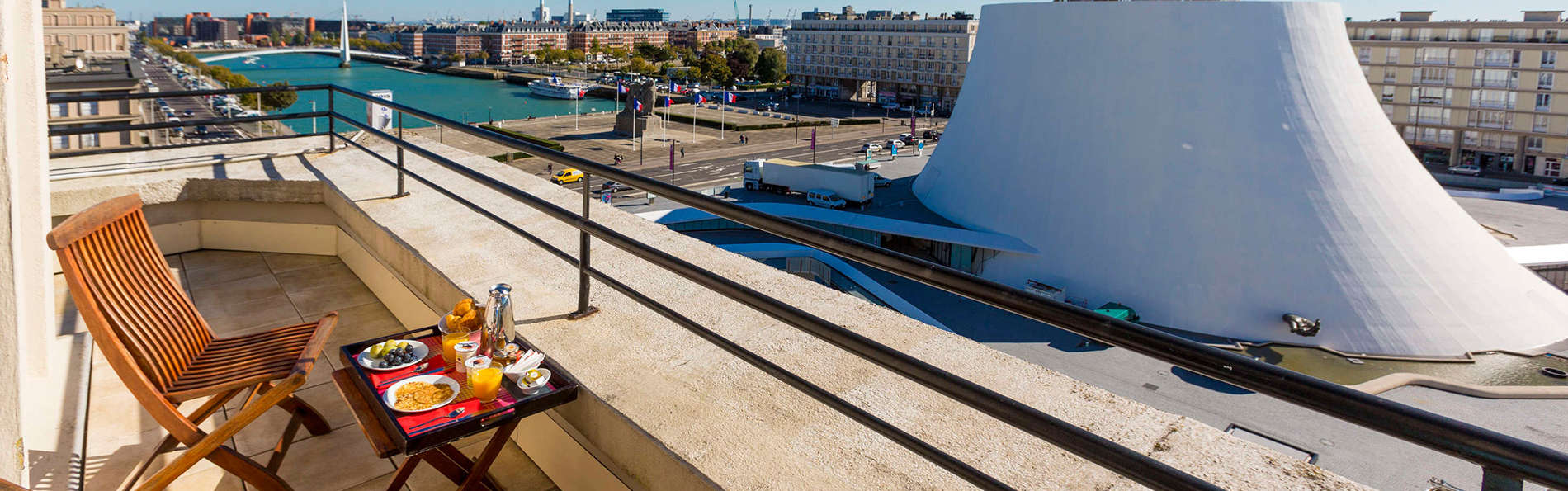 Escapade en chambre supérieure avec terrasse donnant sur le bassin du Havre