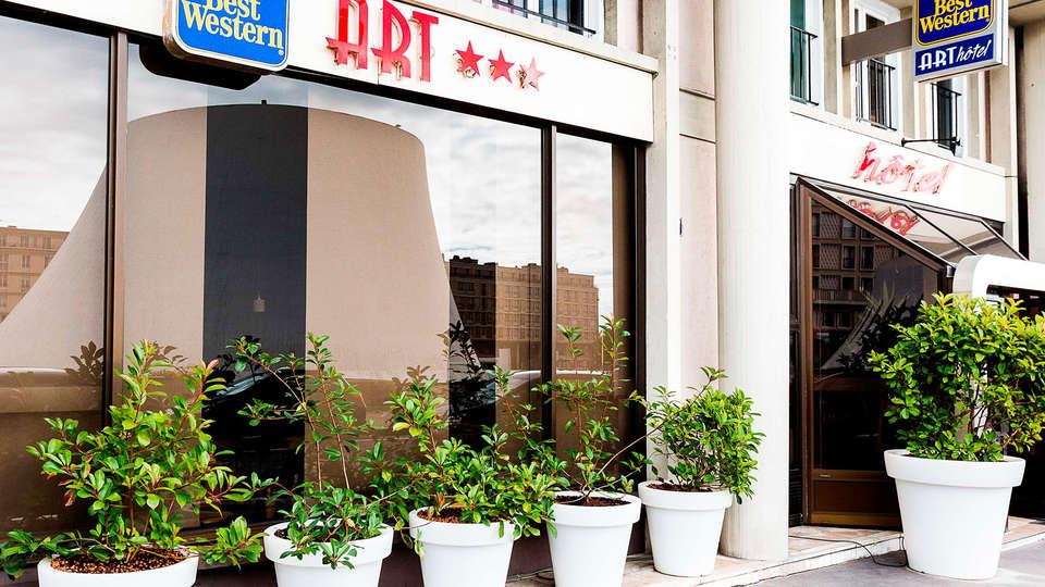 Best Western ARThotel - EDIT_otel_facade_1.jpg