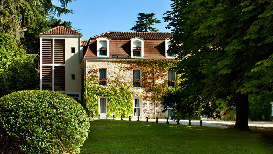 L'Orangerie du Château des Reynats  - EDIT_Orangerie.jpg