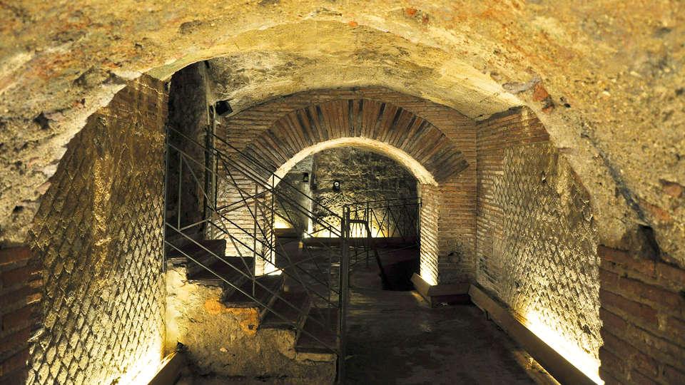 Palazzo Salgar - edit_NAPOLI-SOTTERRANEA3.jpg
