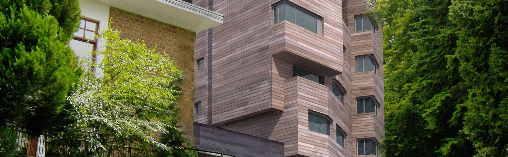 The Seven Hotel - edit_The_Seven_Hotel_facade.jpg