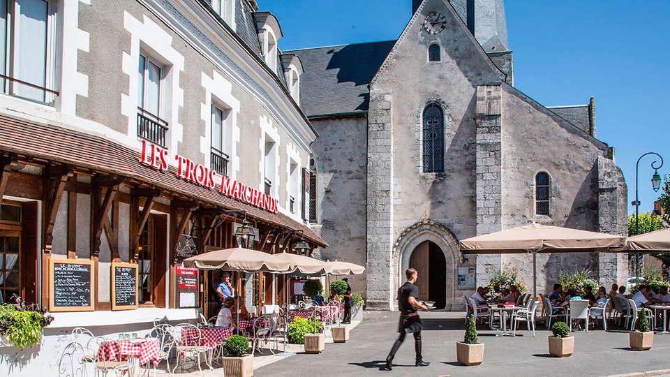 Relais des Trois Châteaux - edit_exterior1.jpg