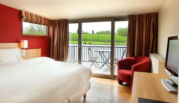 Profitez d´une chambre avec terrasse et vue sur le lac en pleine nature !