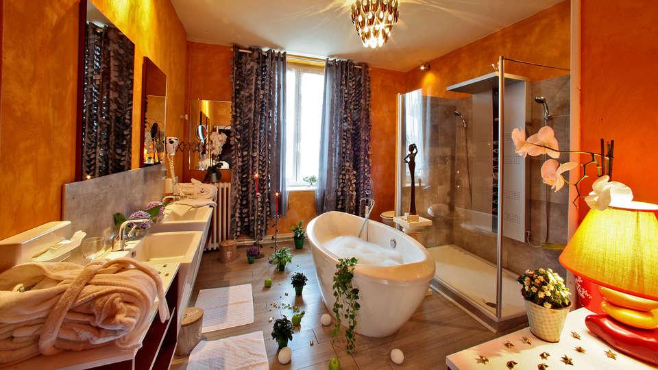 Hostellerie Saint Jacques - edit_bath.jpg