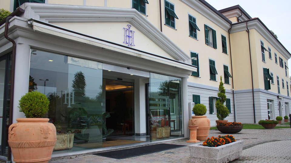 Santa Caterina Park Hotel - edit-font2.jpg