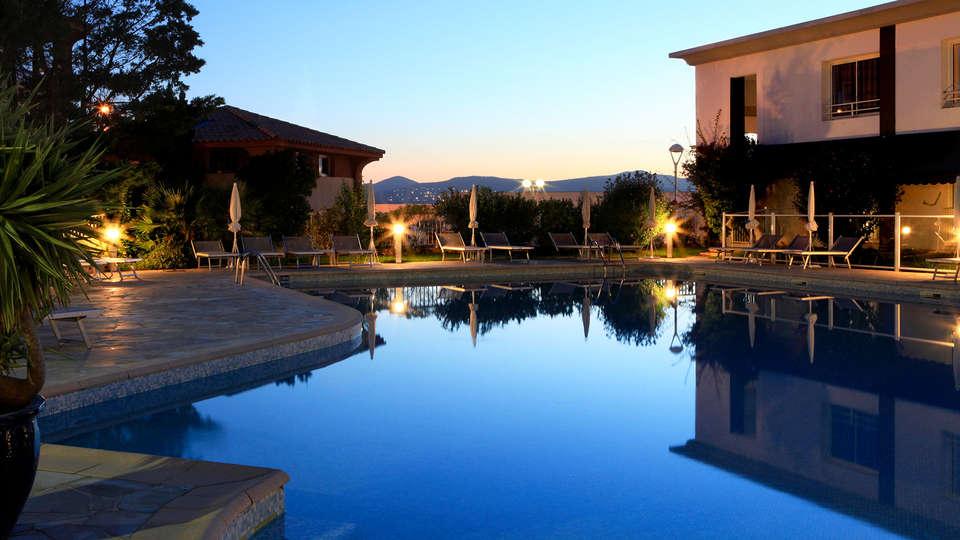 Best Western Plus La Marina - edit_pool.jpg