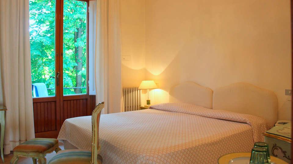Hotel Astoria - EDIT_room.jpg