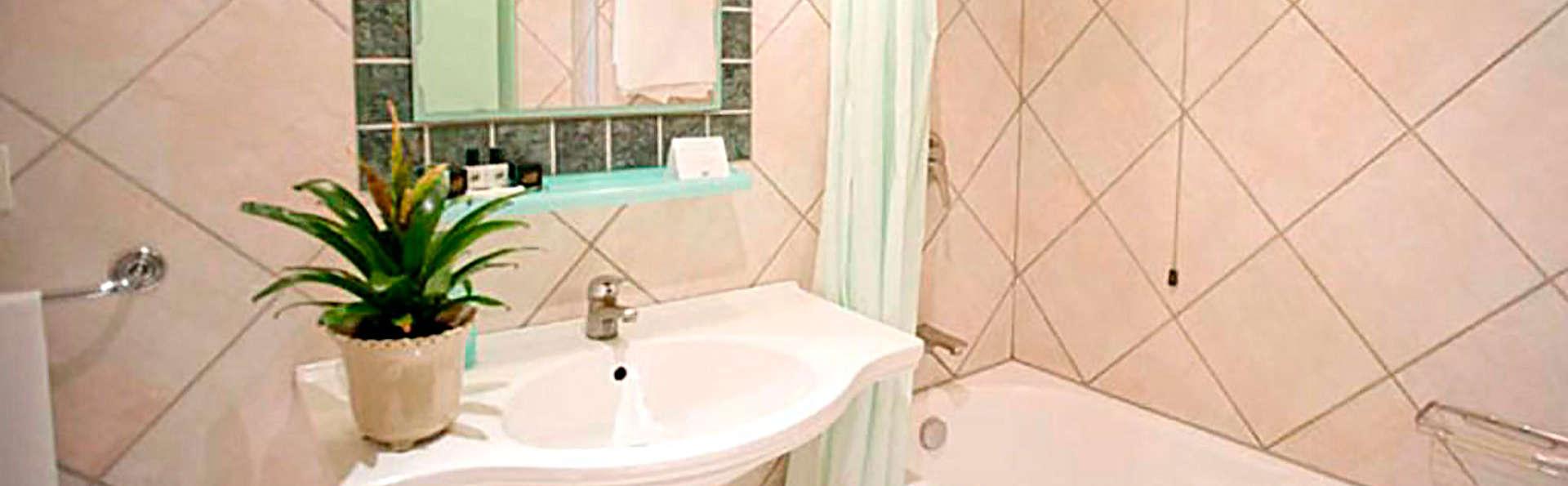 Hotel Sierra Silvana - EDIT_bath.jpg