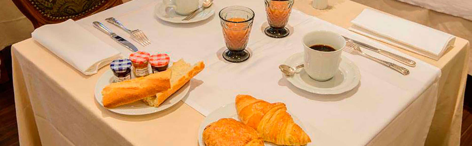 Villa Aultia Hôtel - EDIT_breakfast.jpg