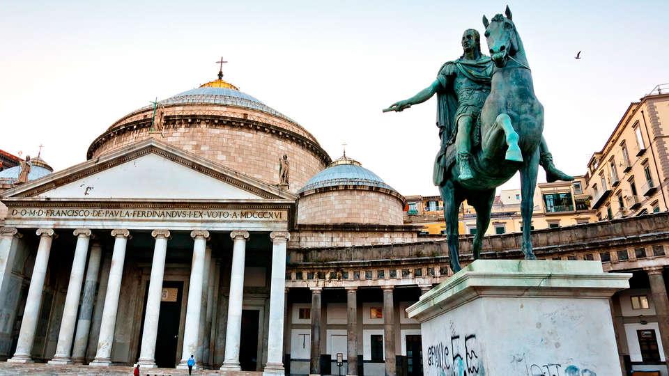 Napoli Suite - EDIT_napoles1.jpg
