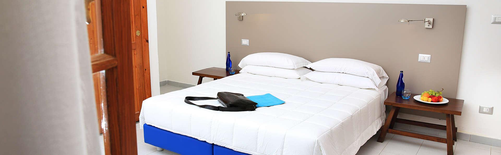 Meli Hotel - edit_room3.jpg