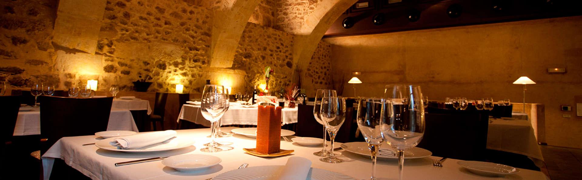 Escapada con Cena y botella de cava en un antiguo convento reformado de Salamanca
