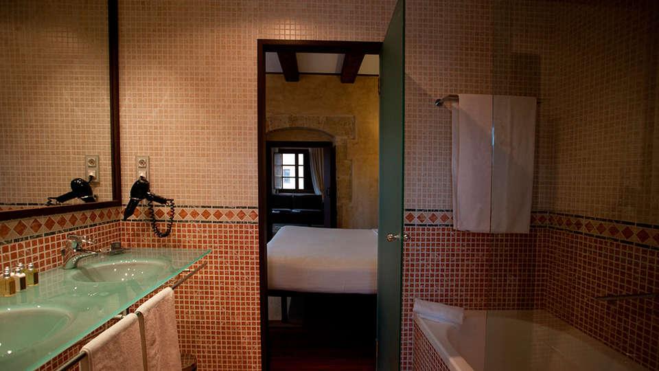 Hospes Palacio de San Esteban - EDIT_roomXa.jpg