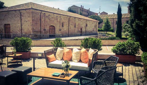 Escapada Romántica en un antiguo convento del centro de Salamanca