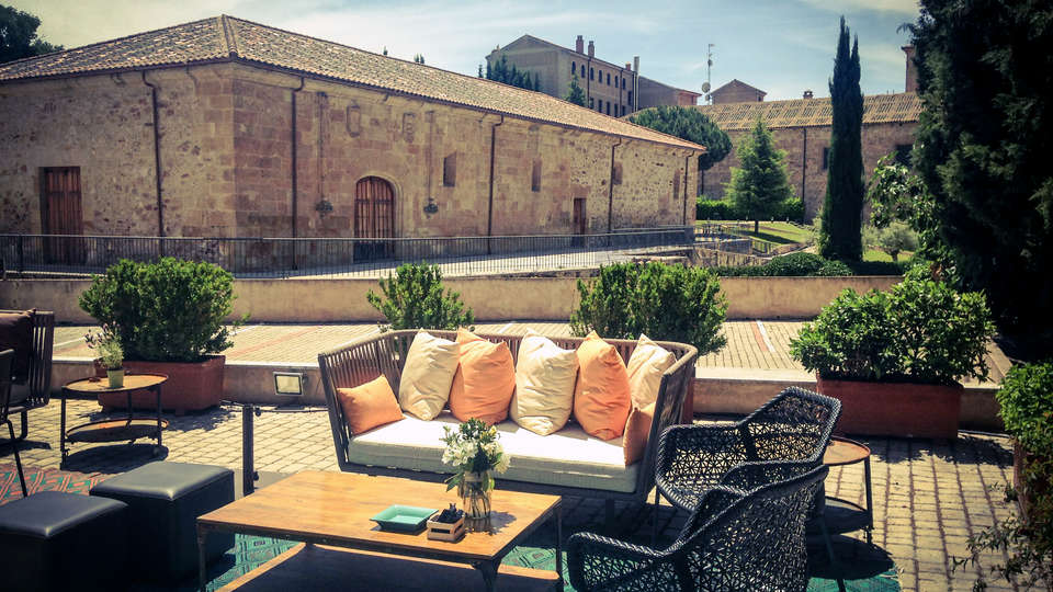 Hospes Palacio de San Esteban - EDIT_Terraza_2014.jpg