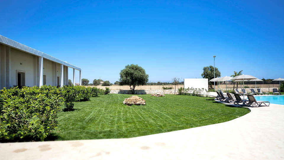 Addauro Resort - EDIT_garden1.jpg