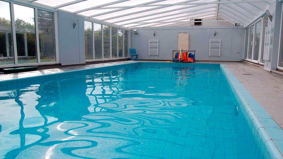 Eurotel Lanaken - Different Hotels - EDIT_pool.jpg