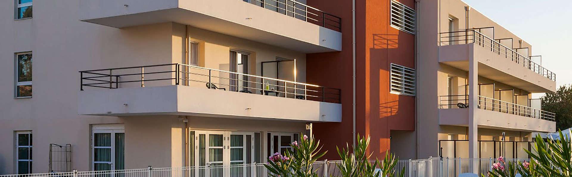 Zenitude Hôtel Résidences Confort Cannes Mandelieu - EDIT_front.jpg