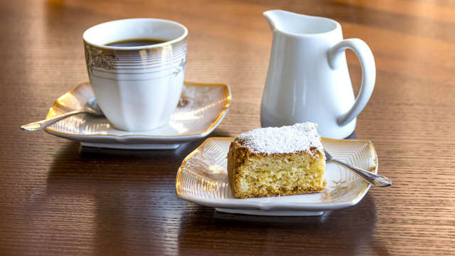 1 Koffie of thee met lekkernijen