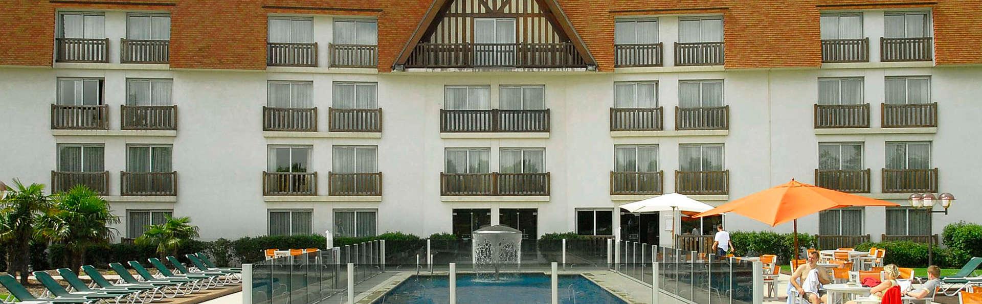 Amirauté Hôtel Golf & Spa Deauville - EDIT_garden.jpg