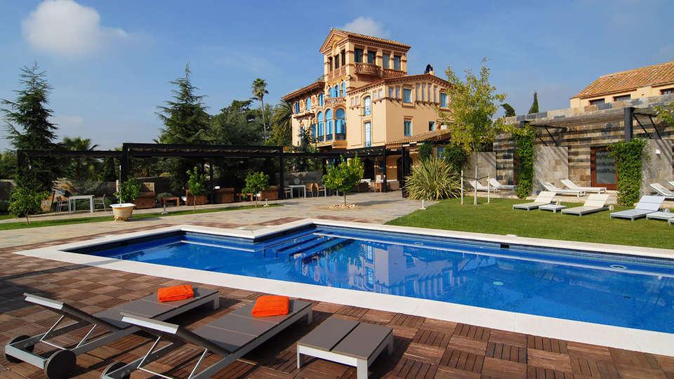 Hotel Monument Mas Passamaner - EDIT_pool4.jpg