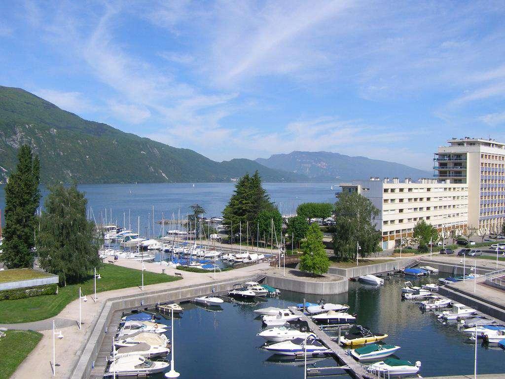Evadez-vous face au Lac du Bourget à aix-les-Bains 4* - 1