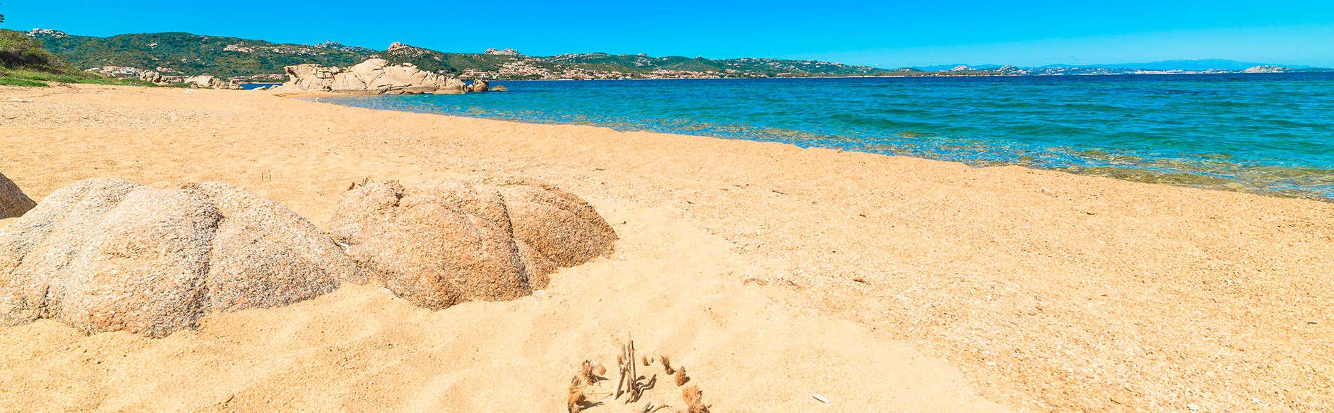 Vacanze in Sardegna sulla Costa Smeralda con nave Grimaldi (9 giorni/7 notti)