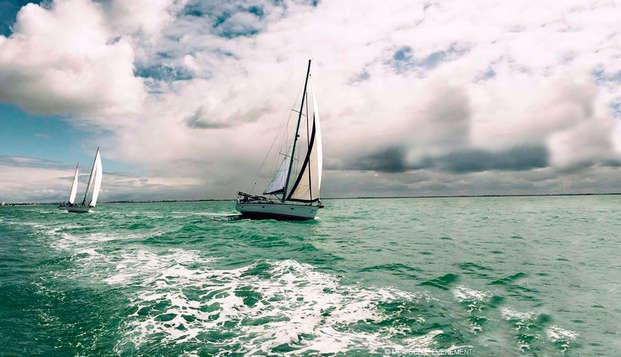 Evasion en bord de mer à La Rochelle avec initiation à la voile