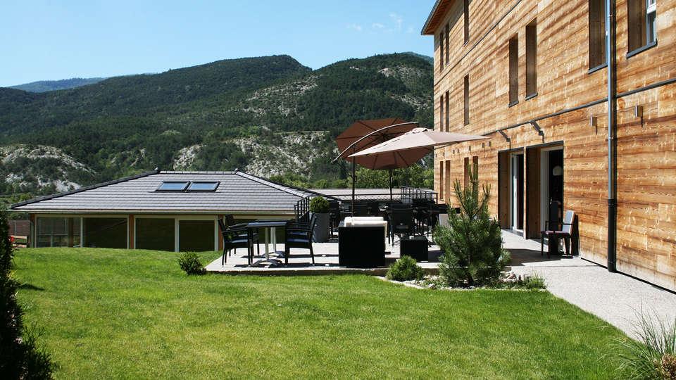 Ax Hôtel SPA & Restaurant - EDIT_exterior.jpg