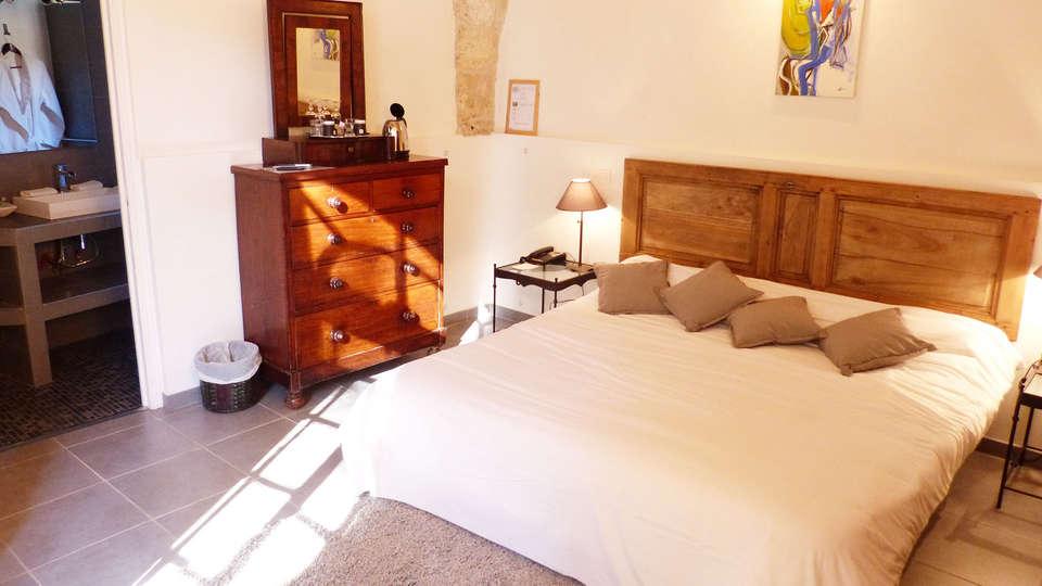 Château d'Arpaillargues - EDIT_room.jpg