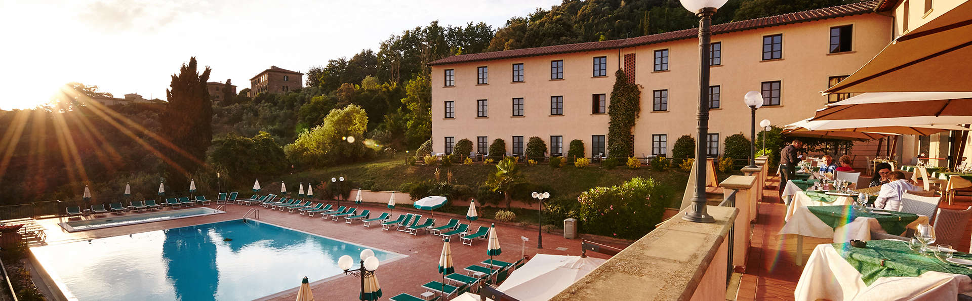 Park Hotel Le Fonti - edit_pool_terras.jpg