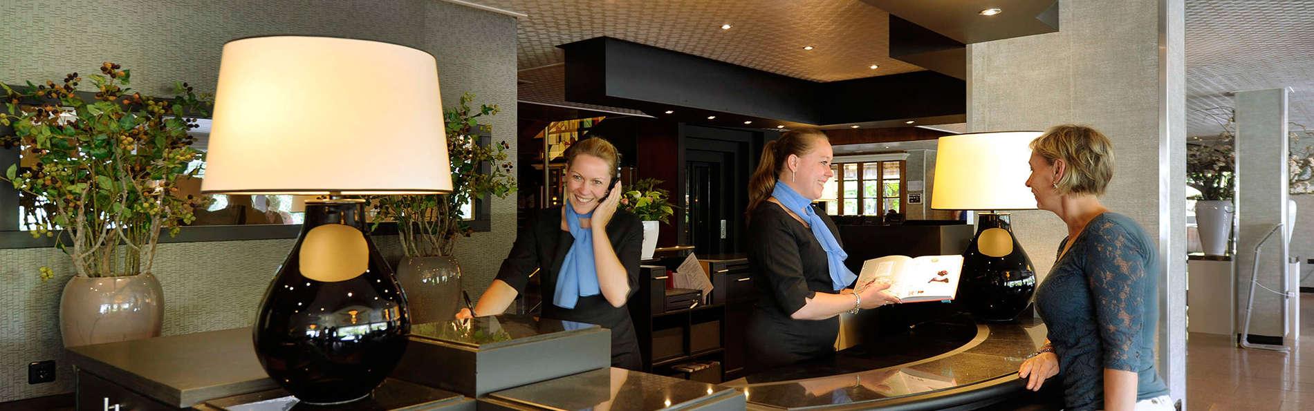 Van der Valk Hotel 's Hertogenbosch - Vught - EDIT_reception.jpg