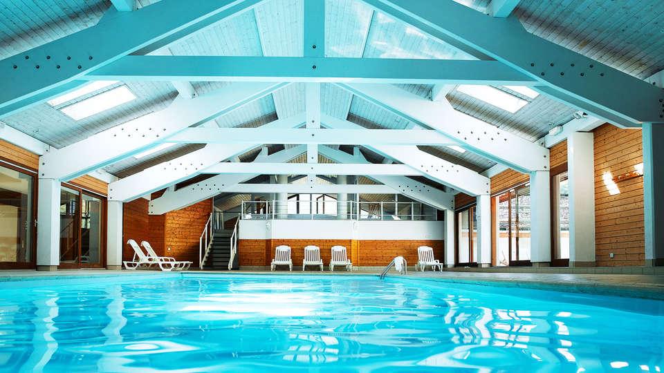 Hôtel Beauregard - EDIT_pool.jpg
