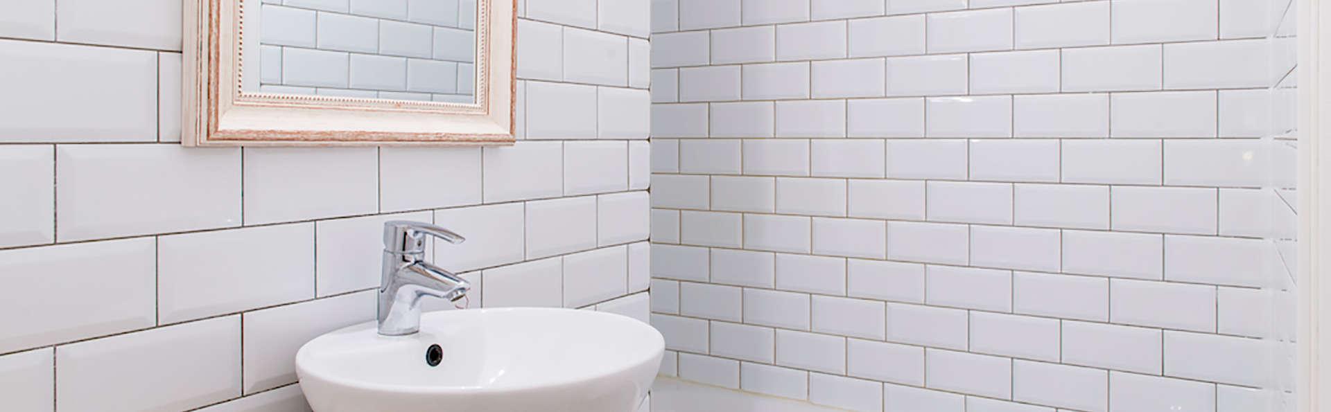 Hôtel des Châteaux - edit_bathroom.jpg