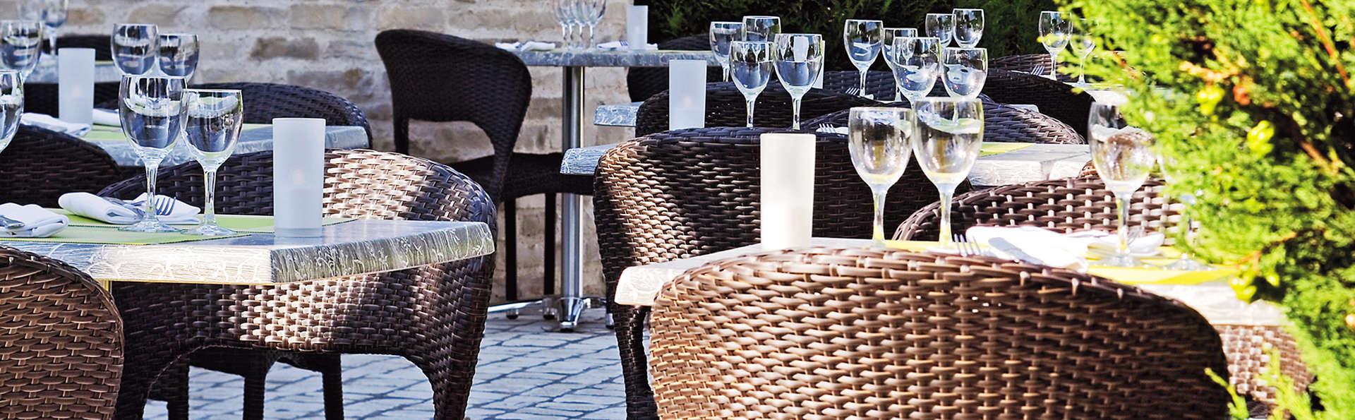 Hôtel des Châteaux - edit__Terrasse.jpg