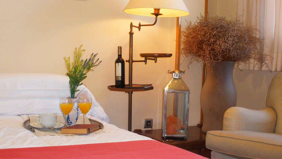 Hotel Villa Elciego - EDIT_room6.jpg