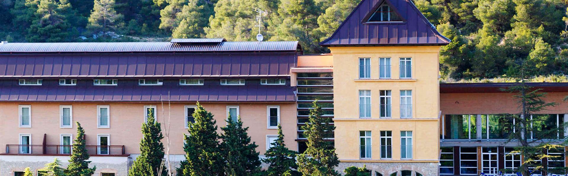 Balneario de Rocallaura - EDIT_front.jpg