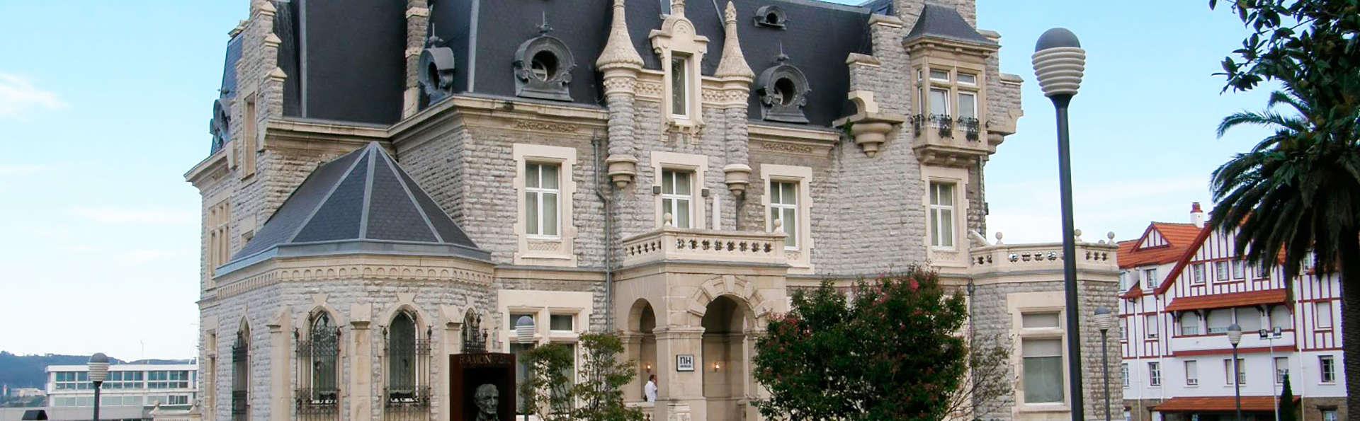 Oferta Exclusiva: Habitación Superior con Media Pensión en un Palacio frente al Mar (desde 2 noches)