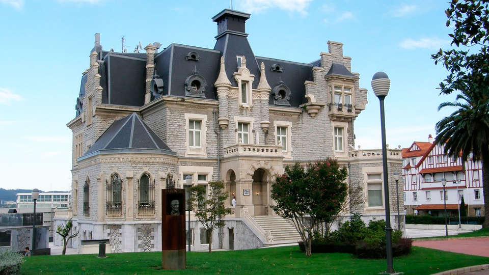 URH Palacio de Oriol - EDIT_front2.jpg