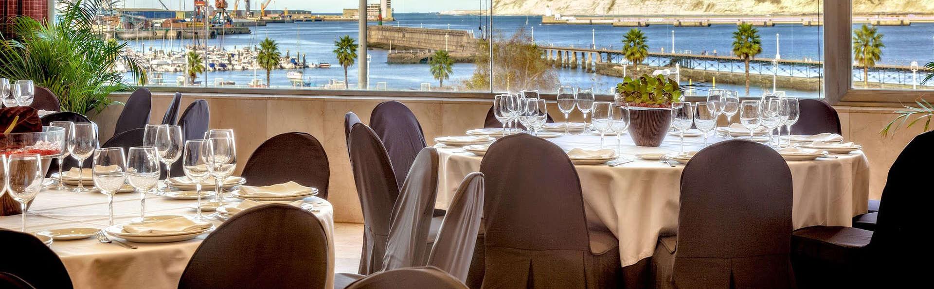 Escapade romantique avec dîner gastronomique dans un hôtel face à la mer